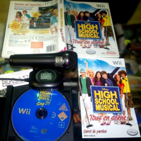 HIGH SCHOOL MUSICAL + MIC OFICIAL TOUS EN SCENE SING IT PAL WII DISNEY NINTENDO