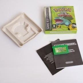 Pokemon verde hoja (Caja y cartucho)