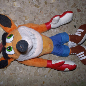 Crash Bandicoot 2001 Universal Studios Play-By-Play PELUCHE 10PULGADAS PS1 MUY RARO