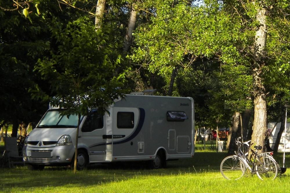 Savoie-Haute Savoie - Fonds de commerce camping 100 emp - Toutes les commodités à pied !