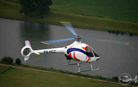 Air2Air fotoshoot van een Guimbal Cabri, PH-HCC