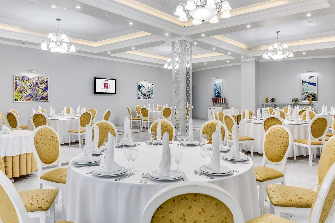 White banquet hall