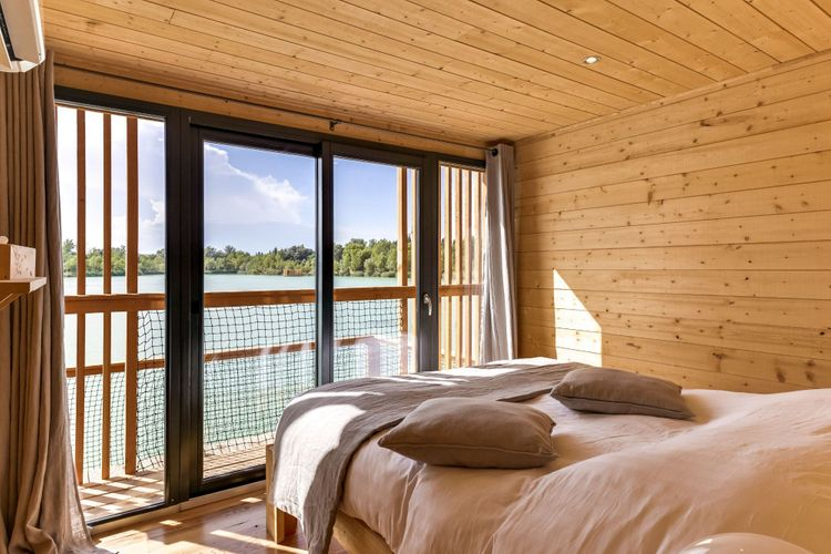 chambre avec vue sur lac