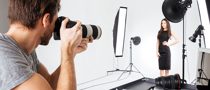 Secretos de maquillaje profesional para salir bien en las fotos
