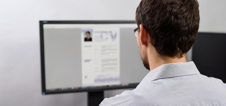 Búsqueda de empleo III: test para elegir la foto de tu CV