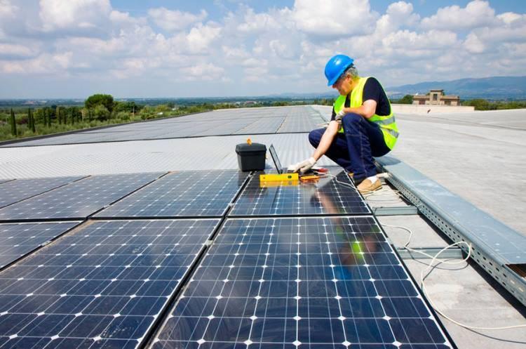 Curso de Energías Renovables: Energía Solar y Eólica