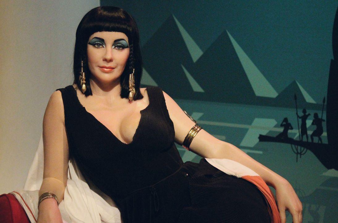 Farao Cleopatra (foto = Liz Taylor's Cleopatra, Mme Tussauds)