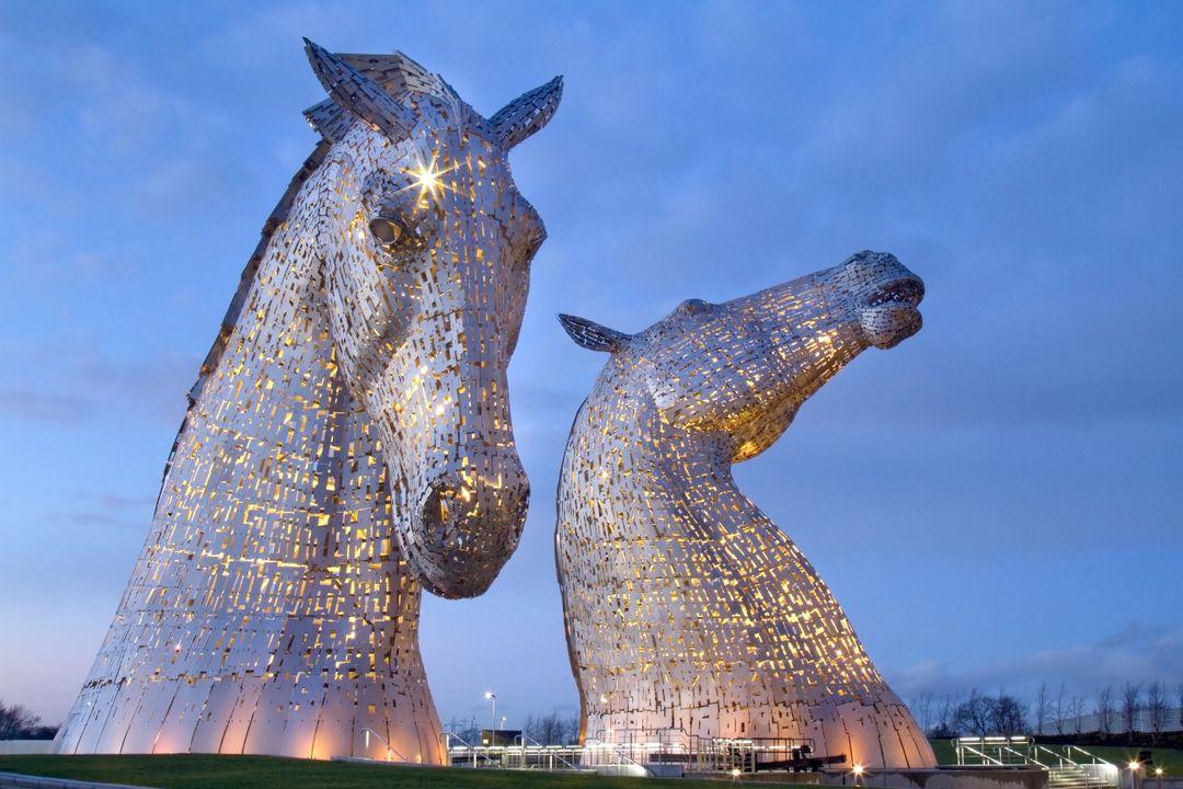 """De 30 meter hoge """"Kelpies"""" paardensculpturen"""