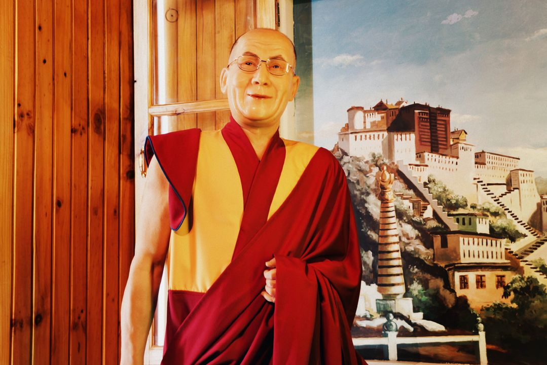 De Dalai Lama leeft al decennia in ballingschap.