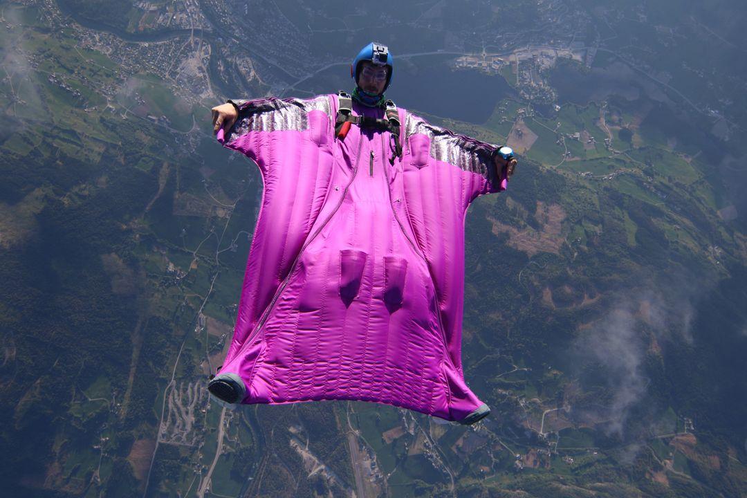 Wingsuit / Wingsuiting