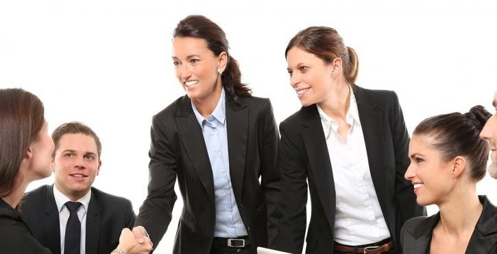Le non respect du code du travail constitue un juste motif de révocation du Gérant