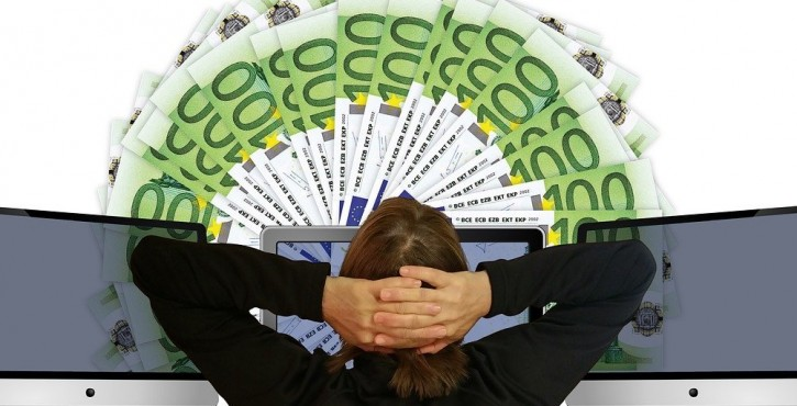 Arnaque au photovoltaïque : autofinancement mensonger, vendeur condamné
