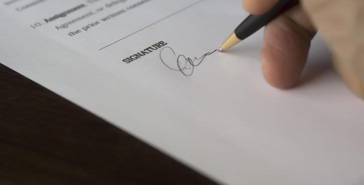 Résiliation unilatérale de l'assureur au motif que l'assuré refuse de signer un avenant