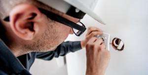 Condamnation d'EDF et prison ferme de salariés pour piratage informatique