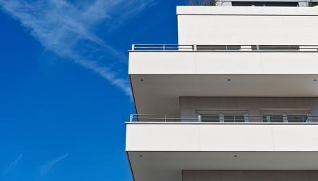 BAIL D'HABITATION-Paiement des loyers- Action en paiement - Prescription.