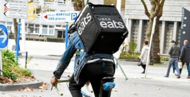 Livreurs des plateformes numériques : salariés malgré eux