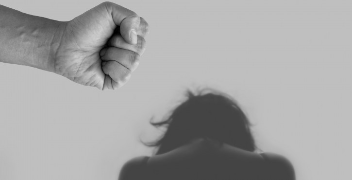 QUE DOIT FAIRE LA VICTIME EN CAS DE VIOLENCES CONJUGALES AU SEIN DU COUPLE ?