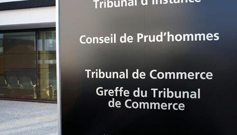 La Cour d'appel de Paris a reconnu à un chauffeur UBER qu'il était lié par un contrat de travail à UBER