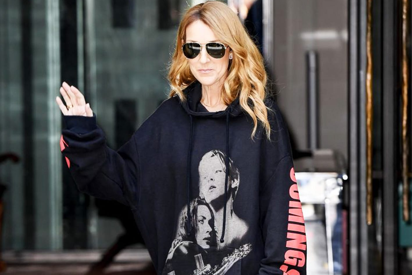 celine-dion-vetements-hoodie-titanic-paris-couture-fashion-week-style-antidote