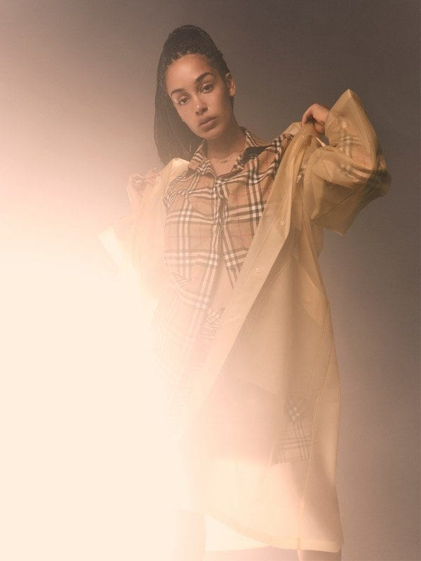 jorja-smith-burberry-antidote-yann-weber-solo2