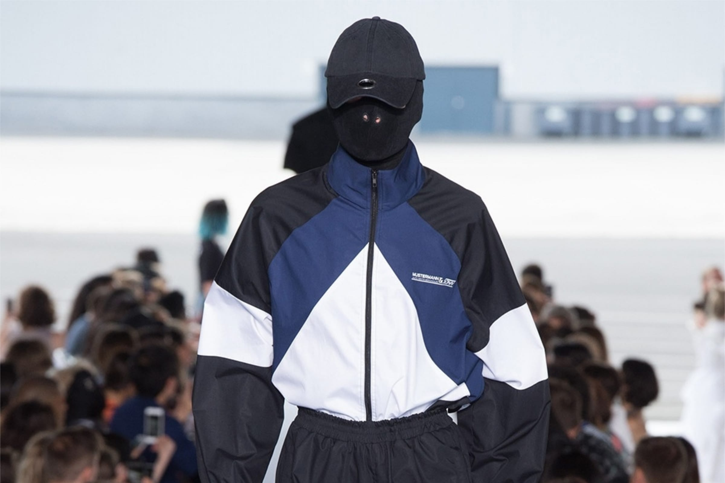 home-vetements-ss19-fetish-antidote-magazine-1