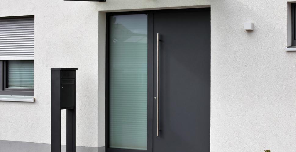 porte d'entrée en aluminium