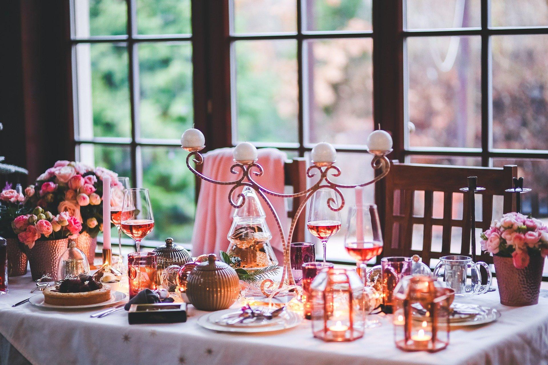 Comment_décorer_votre_table_avec_un_mélange_de_fêtes_et_de_quotidien