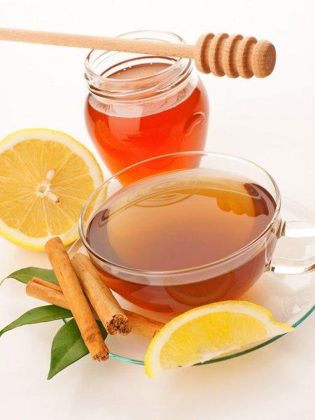 Masque d'acné à la cannelle au miel et au citron