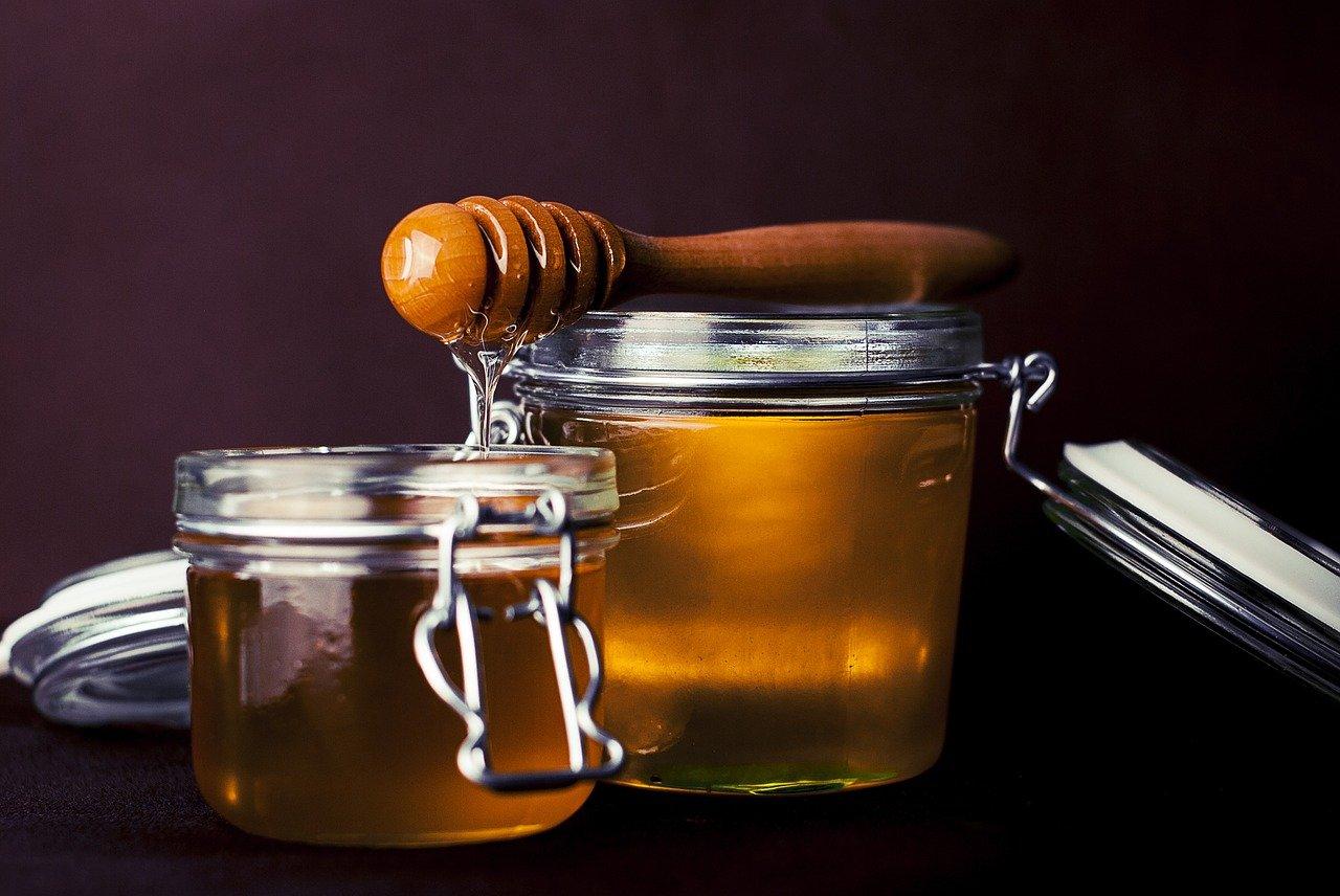 masque de visage d'acné de miel