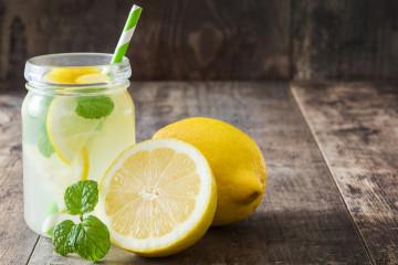 Buvez des jus et limonades 100% belges avec Misuko, Ritchie et Simone