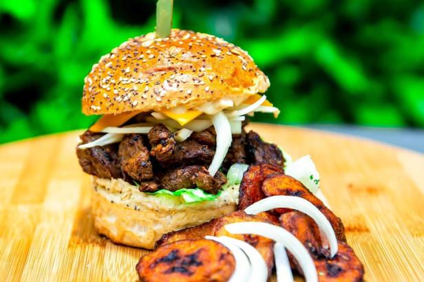 Street-food : AfroBurgers rend justice à la cuisine africaine à la place Poelaert