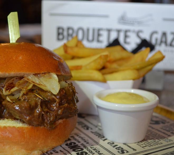 Des burgers sauce Belgique à la Grand-Place, c'est chez Brouette