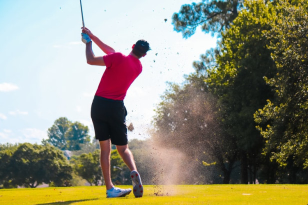 Aujourd'hui jouer au Golf il y a en pour les petits et grands, s'entend espaces mais aussi pour les petits et grands enfants