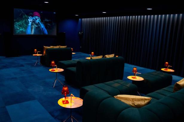 Cinéma et karaoké ? En privé à l'hôtel !