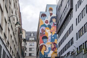 La guerre des fresques au personnel soignant