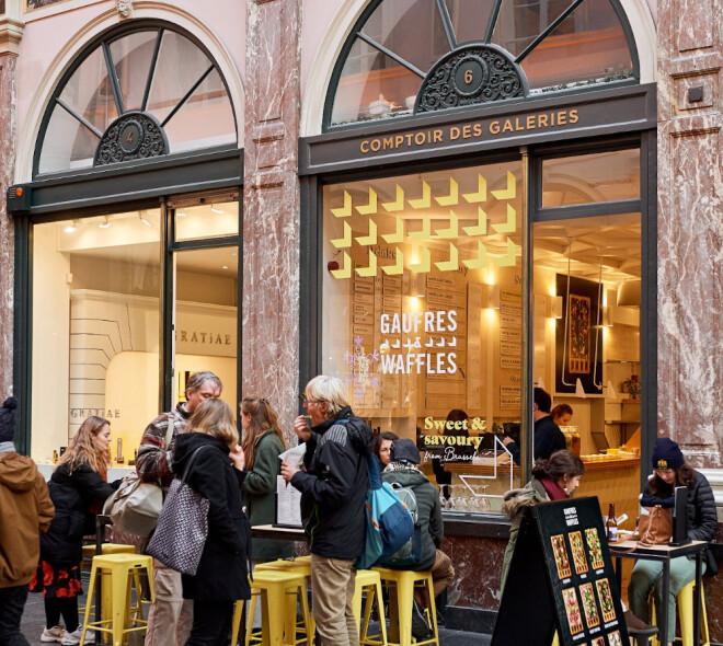 Un délice de Belgian waffles sucrées/salées avec le comptoir Gaufres & Waffles