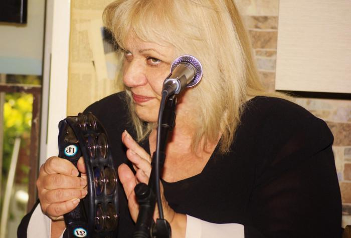 Aimilia Galiatsou & Lakis Orfanidis-Greek bouzouki & voice
