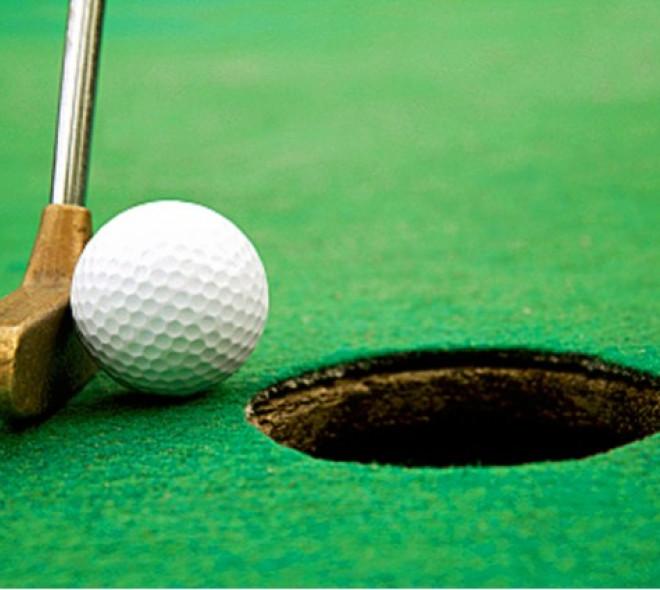 Mini-golf, maximum fun