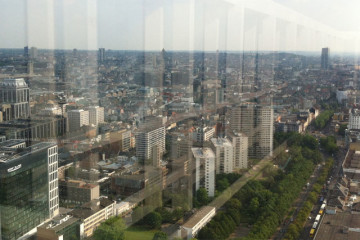 Depuis l'immeuble à appartements le plus haut de Bruxelles, des photos surprenantes