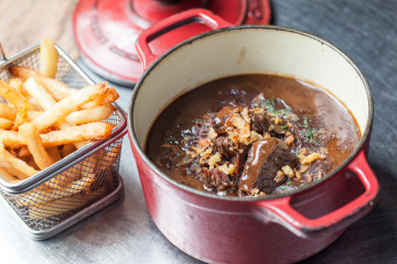 Where to eat a good carbonnade flamande in Brussels?