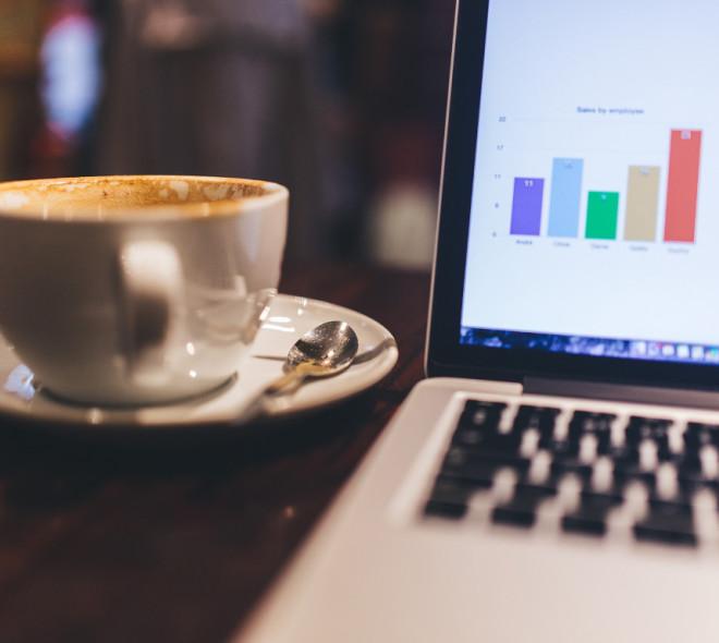 Une freelance bruxelloise crée une carte des cafés où il fait bon travailler