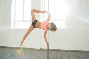 Discipline sportive et artistique, où suivre des cours de pole dance à Bruxelles ?