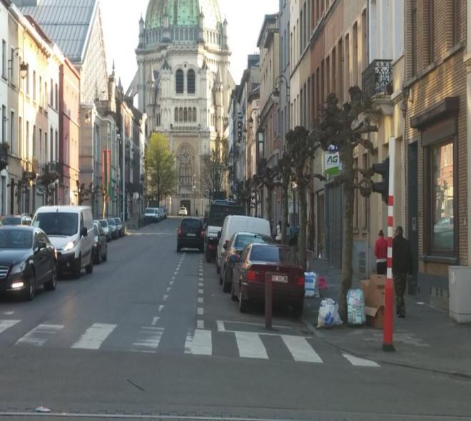 Le stationnement en double file toléré à Bruxelles?