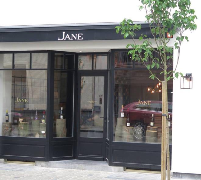 Jane rejoint Tarzan et démocratise le vin naturel à Bruxelles