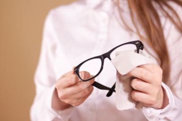 Tips to take care of your glasses!