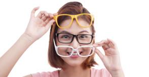Elk gezicht zijn aangepaste bril
