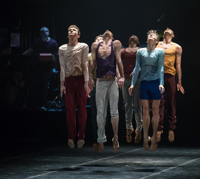 Trente ans plus tard, Béjart est de retour à Bruxelles avec le Béjart Ballet Lausanne
