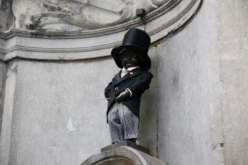 """Manneken-Pis enfile son costume de """"Monsieur Beulemans"""" !"""