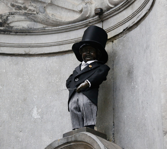 "Manneken-Pis enfile son costume de ""Monsieur Beulemans"" !"