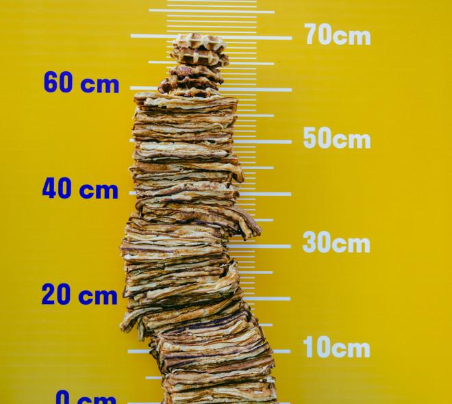 Une montagne de gaufres construite à Liège pour la journée internationale de la gaufre